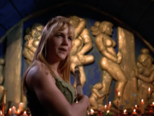 "Xena Screencapture: Gabrielle in ""Fins, Femmes, and Gems"""